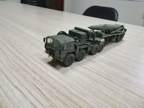 Modelcollect AS72101 U.S. Army M1001 Tractor and Pershing II tactical missile,1st Battalion,9th Field