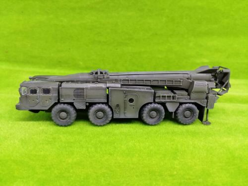 Modelcollect AS72139 Soviet Army SCUD B Strategic missile launcher 1970s