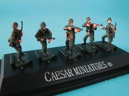 Caesar Miniatures P804 WWII German Panzergrenadiers set4 (fertig bemalt)