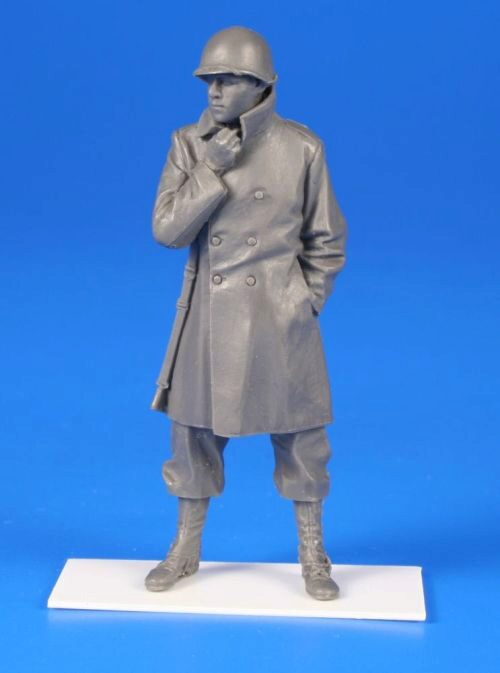 CMK F35287 US WWII Soldier w/winter coat a.an M1rie rifle-Belgium 1944