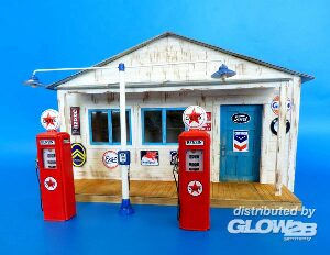 Plus model 494 Gas station