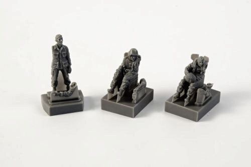 CMK 129-F72349 AH-1 Sitting pilots (2 figures)a. ground crew(1 figure) f.SpecialHobby