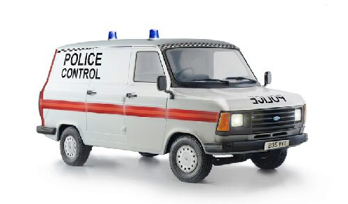 Italeri 3657 FORD TRANSIT UK POLICE