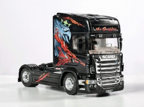 Italeri 3879 Scania R730 ''The Griffin''