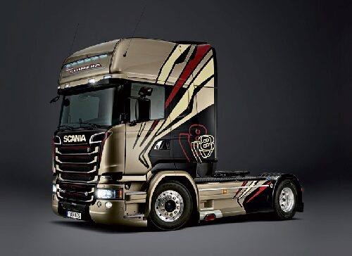 "Italeri 3930 SCANIA R730 STREAMLINE ""TEAM CHIMERA"""