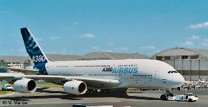 Revell 04218 Airbus A 380 Design New livery  First Flight