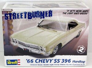 Revell 4250 1966 Chevy SS 396 Hardtop
