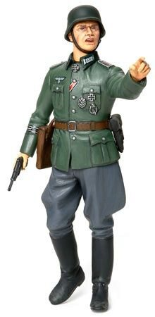 Tamiya 36313 German Field Officer