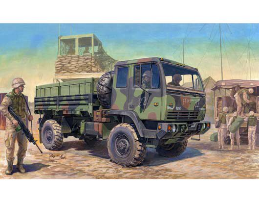 Trumpeter  01004 1/35 M1078 Light Medium Tacti