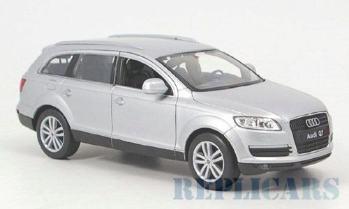 Welly 142802 Audi Q7 silber