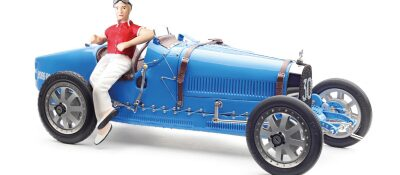 "CMC M-100-018 CMC Bugatti T35, ""bright blue"" Livery With a Female Racer Figurine Limited Edition 600 pcs."
