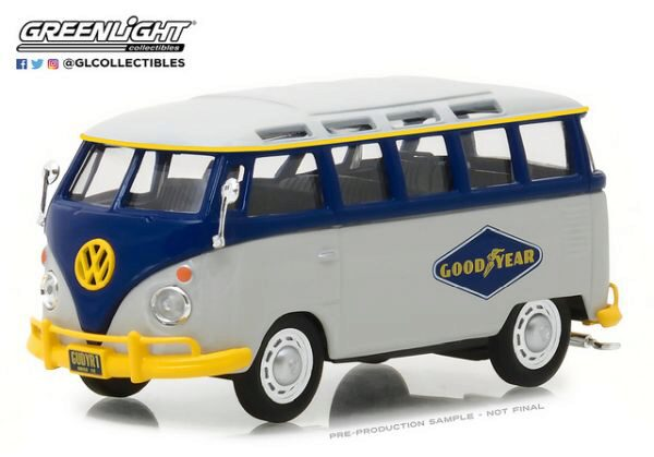 Greenlight 87010F Volkswagen Type2 (T1) Samba Bus Goodyear Tires
