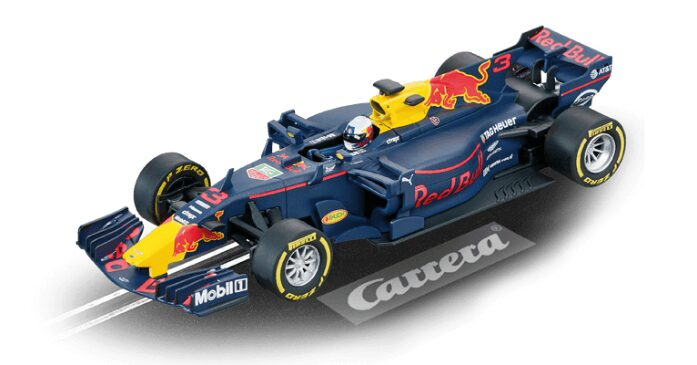 "Carrera 30819 Red Bull Racing TAG Heuer RB13 ""D.Ricciardo"" - Digital 132"